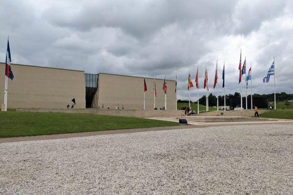 """Les employés du Mémorial de Caen ont été plusieurs fois appelés """"collabos"""" par des opposants du passe sanitaire."""