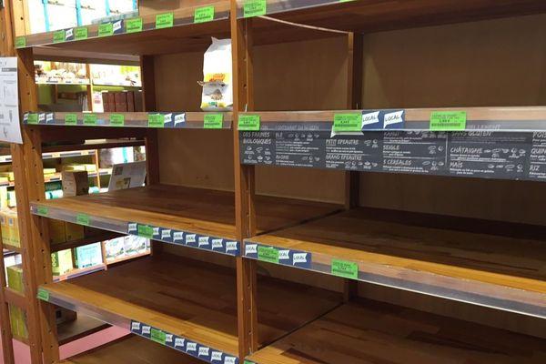 Dans ce magasin de Dury, comme dans beaucoup d'autres, les rayons d'oeufs ont été pris d'assaut.