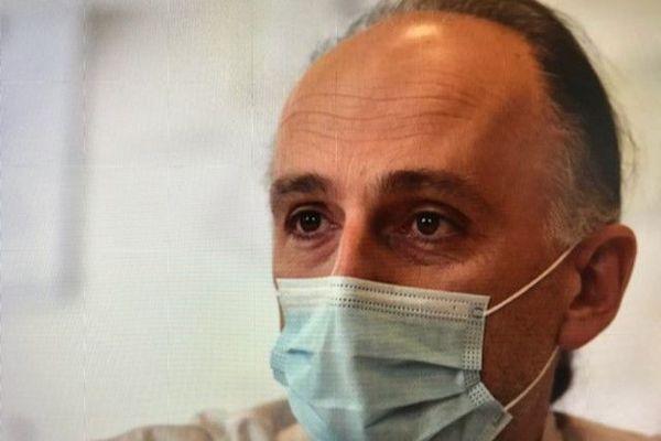 Stéphane Paul, immunologiste et chef d'équipe du Gimap (Groupe sur l'immunité des muqueuses et agents pathogènes) au centre hospitalier universitaire de Saint-Etienne.