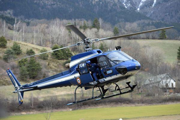 Les 3 promeneurs imprudents ont été évacués par l'hélicoptère d'Egletons (image d'illustration).