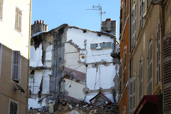 Rue d'Aubagne, un mois après l'effondrement de 2 immeubles, qui a coûté la vie à 8 personnes, le 5 Novembre 2018.