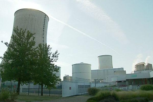 La centrale de Civaux est située sur les rives de la Vienne.