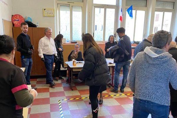 Georges Mela, le maire sortant, fait face à Jean-Christophe Angelini et Don-Mathieu Santini.