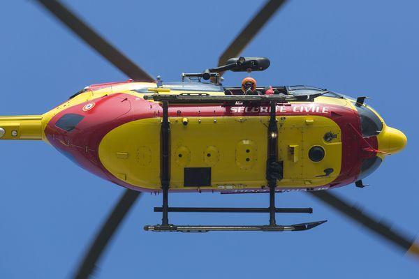 Hélicoptère Dragon de la Sécurité Civile - illustration - 2016