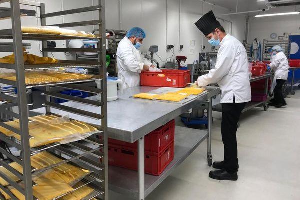 Les soupes des chefs étoilées d'Alsace en cours de fabrication