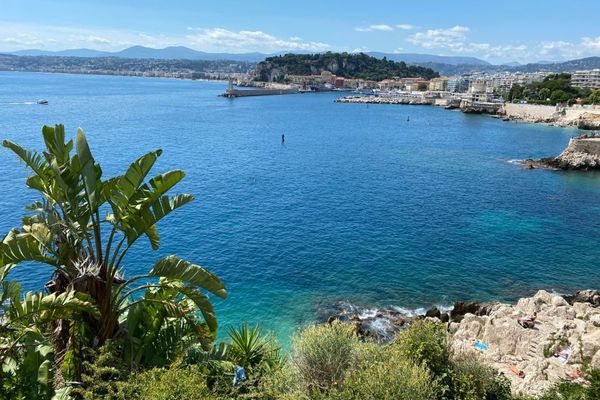 L'image de la carte postale Côte d'Azur attire les touristes italiens.