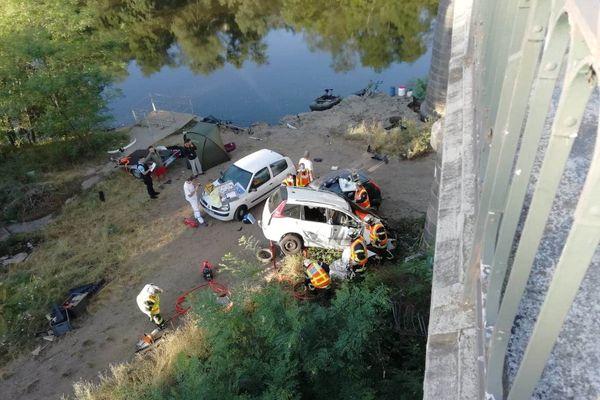 A Vic-le-Comte, une voiture a fait une chute de 5 mètres environ samedi 25 juillet.