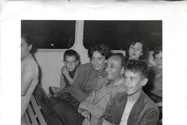L''écrivain et historien Alex Benvenuto à l'âge de 6 ans à bord d'un bateau Gallus, 1954.