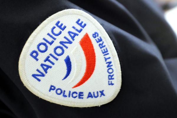 La police aux frontières a intercepté l'ancien footballeur belge à Loon-Plage avec dix migrants à bord de sa camionnette.