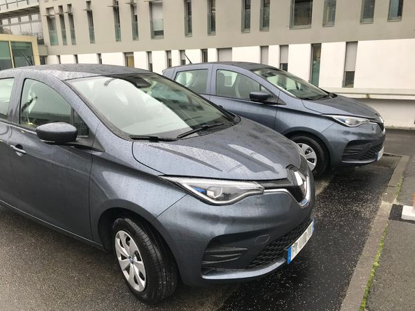 Cinq véhicules électriques sont également arrivés à l'hôtel de police de Nantes