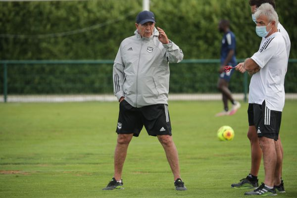 Jean-Louis Gasset, nouvel entraîneur des Girondins le 19 août 2020 au Haillan lors d'un entraînement avec sa nouvelle équipe.