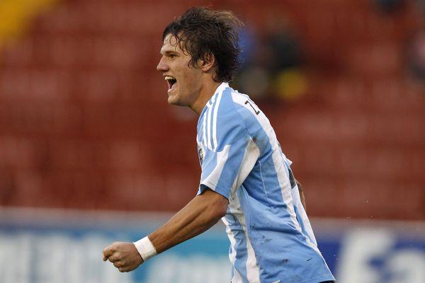 Bruno Zuculini en 2011 avec la sélection argentine des moins de 20 ans.