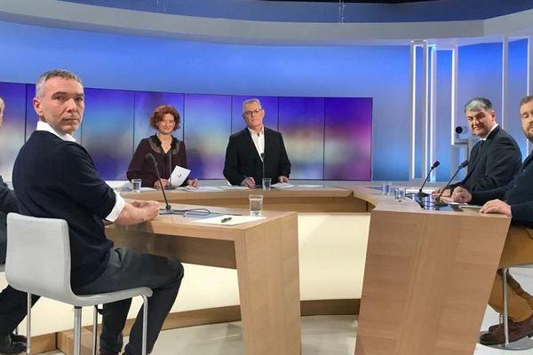 Robert Ménard, maire sortant, Thierry Antoine (EELV-France insoumise), Pascal Resplandy  (LREM, Agir, MoDem et Radicaux) et Nicolas Cossange (PC-PS-PRG), candidats à Béziers.