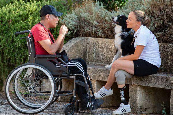 Aurélie Brihmat et Spy sont allés à la rencontre de personnes en situation de handicap pour partager son expérience et redonner espoir.