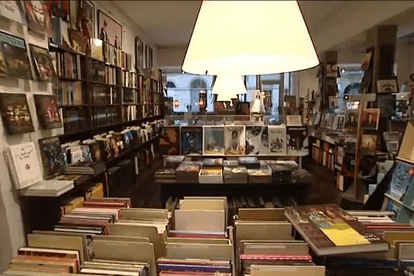 """À la librairie """"M'enfin"""", des BD, rien que des BD..."""
