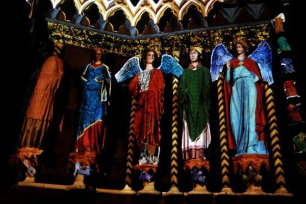 """Extrait du spectacle """"Rêve de couleurs"""" - projection sur la façade de la cathédrale de Reims"""