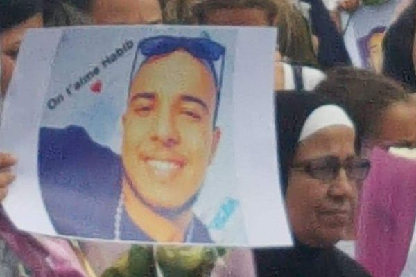Habib est mort percuté par une voiture alors qu'il circulait à trottinette boulevard Jodino à Vénissieux.