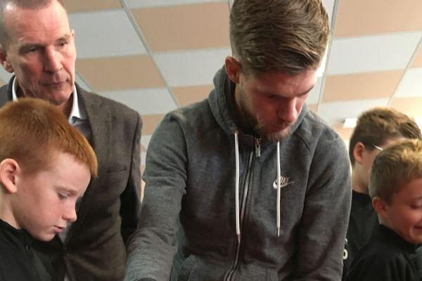 Jimmy Gressier, triple champion d'Europe de Cross, parrain des élèves de la section sport du Portel