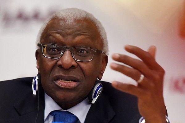 Le Sénégalais Lamine Diack, 82 ans et président pendant 15 ans de l'IAAF jusqu'en août dernier, a été mis en examen pour corruption passive et blanchiment aggravé au sujet de cas de dopage en Russie que le dirigeant aurait couvert.