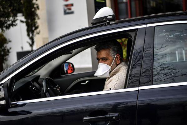 Un chauffeur de taxi, le 17 mars 2020