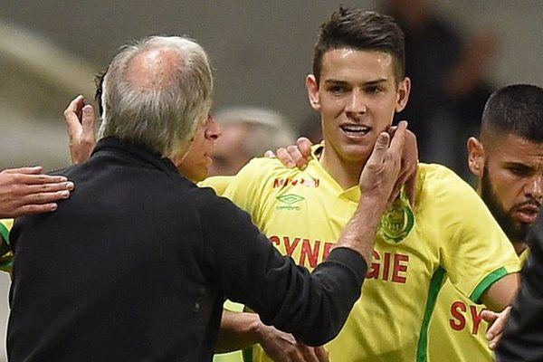 Mariusz Stepinski félicité par René Girard lors du match FC Nantes - SC Bastia
