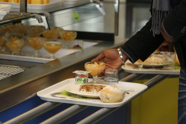 Etudiants non boursiers : la fin des repas à 1 euro au CROUS à la rentrée prochaine. Archives.
