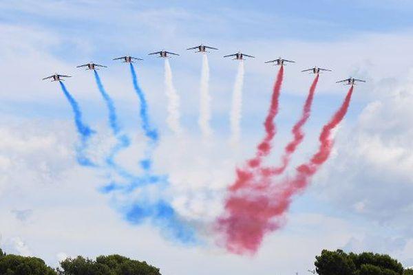 La patrouille de France survolera le ciel lillois peu après 11h.