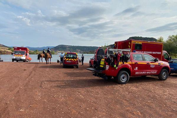D'importants moyens avaient été dépêchés ce dimanche 16 août 2020 pour retrouver les disparus du lac du Salagou.