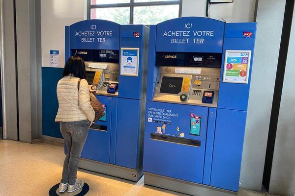 En gare d'Antibes dans les Alpes-Maritimes ce vendredi 19 mars.