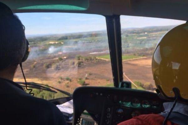Le feu de garrigue à Bessan, dans l'Hérault, vu d'hélicoptère - 15 juillet 2017