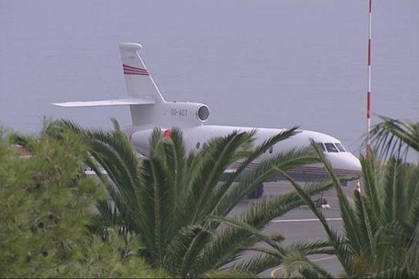 Un jet privé stationné à l'aéroport de Nice
