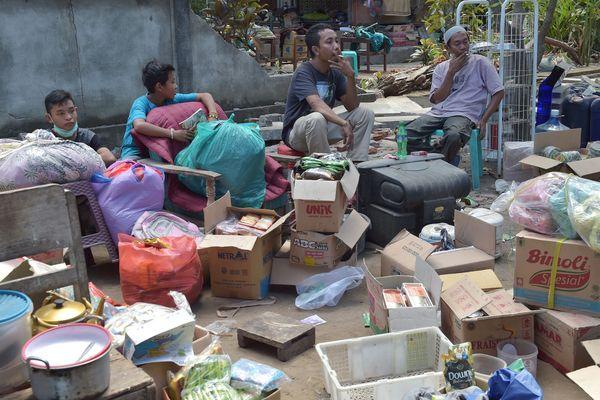 Des victimes du séisme de Lombok en Indonésie.