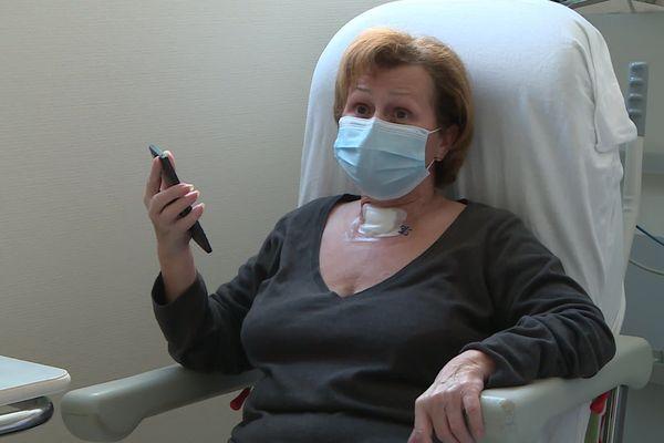 Lucienne Baldeck, 66 ans, ex malade du coronavirus est rentrée chez elle à Mulhouse après un mois de soins intensifs à la clinique d'Occitanie à Toulouse