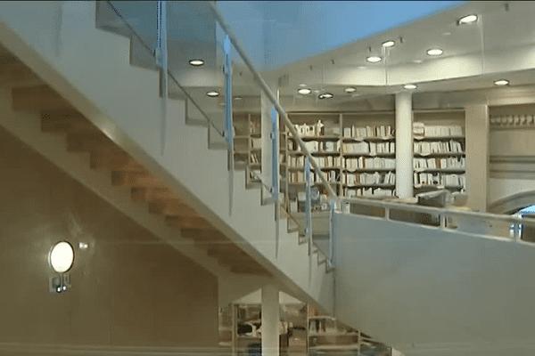 la nouvelle librairie de Besançon s'installe dans l'ancien cinéma Plazza