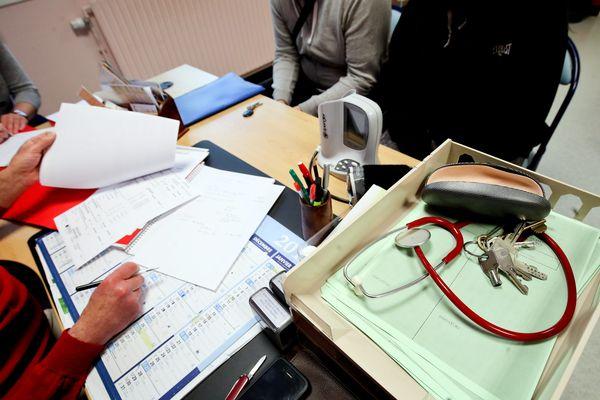 Relever le numerus clausus permet de créer 1109 places supplémentaires en médecine en France.