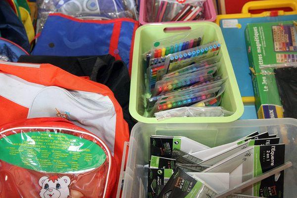 Le Secours populaire de Nîmes a organisé une distribution de fournitures scolaires. Photo d'illustration.