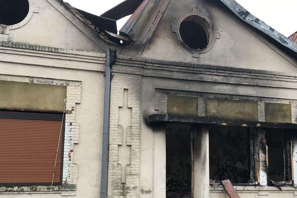 La maison d'où est parti l'incendie.