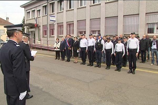 A Vesoul, devant l'Hôtel de Police.