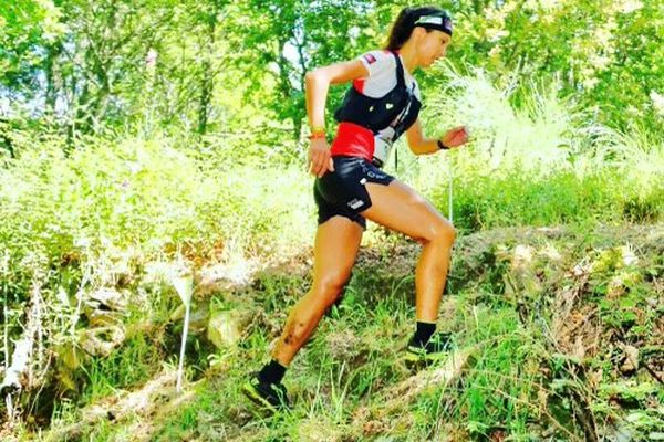Sur les sentiers portugais, Laurie Phaï dispute ses premiers mondiaux de trail sous les couleurs du Cambodge à l'été 2019. Elle prend la 139ème place (sur 160) après plus de 6h d'efforts.