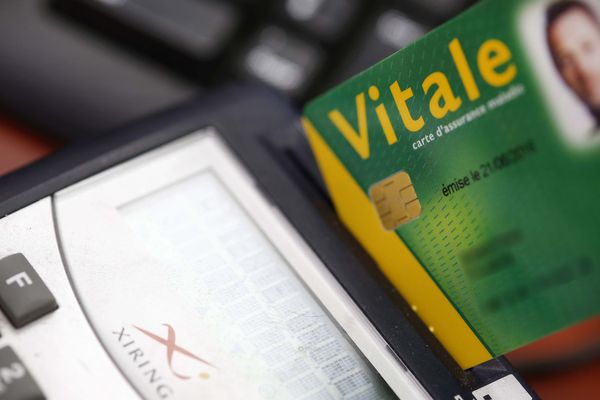 La carte vitale pourrait être bientôt remplacée par une application pour smartphone