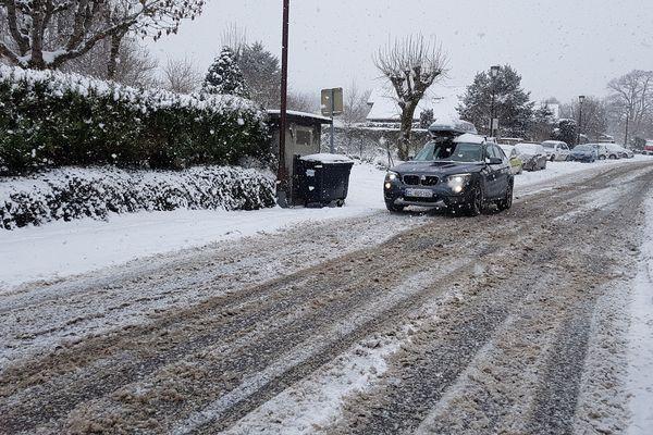L'Auvergne s'est réveillée sous la neige mercredi 23 janvier. Le Puy-de-Dôme (photo), l'Allier, la Haute-Loire et le Cantal sont placés en vigilance jaune neige-verglas par Météo France.