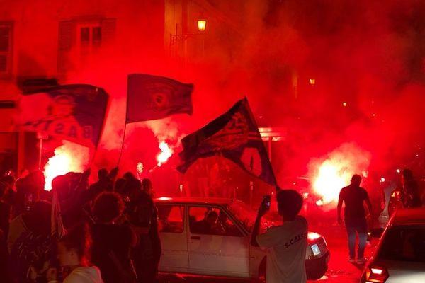 Les supporters bastiais ont embrasé le boulevard Paoli hier soir