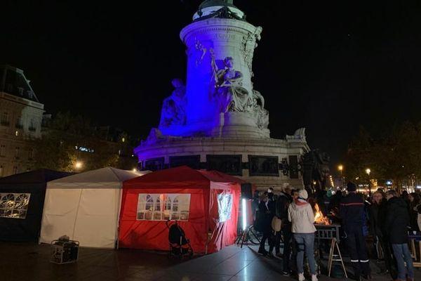 La place de la République à Paris occupée par les pompiers du syndicat Sud-SDIS, dont des pompiers du Gard