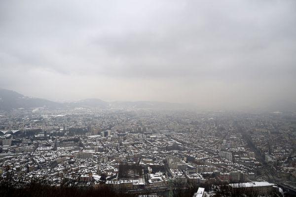 Grenoble sous un nuage de pollution, le 24 janvier 2017.