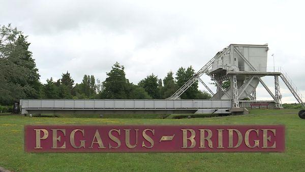 """En 1948, le pont de Bénouville est baptisé """"Pegasus Bridge"""""""