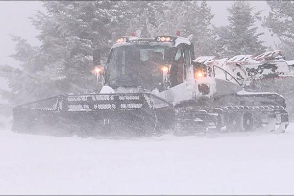 Le plateau de Beille (09), pris dans une tempête de neige, ce dimanche.