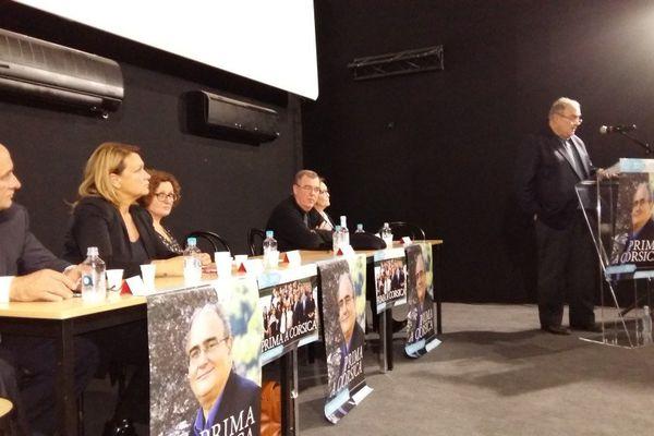 """07/11/15 - Le président du Conseil exécutif sortant Paul Giacobbi, tête de liste de """"Prima a Corsica"""" en meeting à L'Ile Rousse"""
