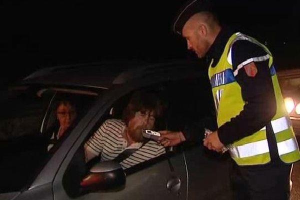 Hier soir, vers 0h, la gendarmerie veillait à ce que les conducteurs ne repartent pas avec un taux d'alcoolémie trop important.