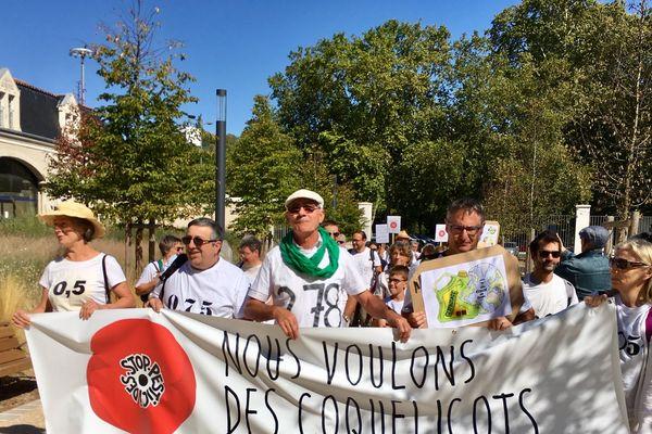 """Les """"pisseurs"""" de glyphosate devant le tribunal de Poitiers"""