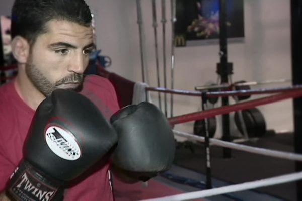 À 34 ans, Karim Achour a décidé de mettre un terme à sa carrière de boxeur professionnel.